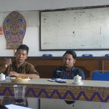 Rapat Rutin perangkat Desa Pengotan