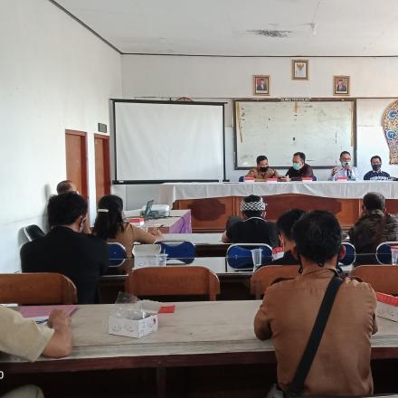 Monitoring dan Epaluasi di kampung Kb Desa Pengotan