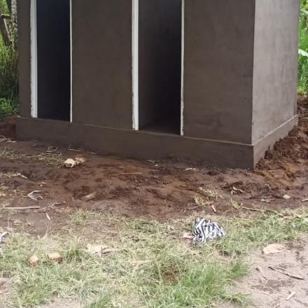 Pembangunan MCK Umum di banjar Besenga Desa Pengotan